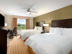 Top-4 hotels in the center of Benbrook