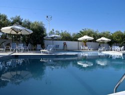 Top-3 hotels in the center of Aegina