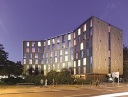 Top-6 hotels in the center of Hounslow