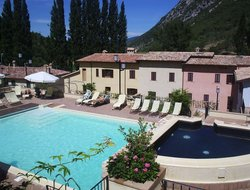 Foligno hotels with restaurants