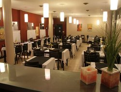 Carilo hotels with restaurants