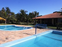 Guarapari hotels with restaurants
