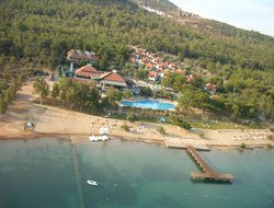 Akbuk hotels with swimming pool