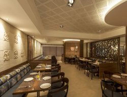 Top-10 hotels in the center of Andheri East