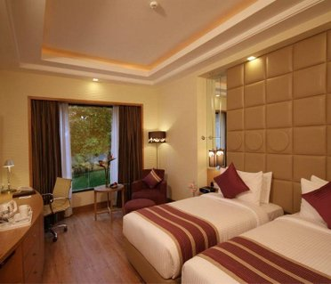 Hotel Golden Tulip, New Delhi