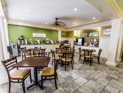 Port Saint Lucie hotels with restaurants