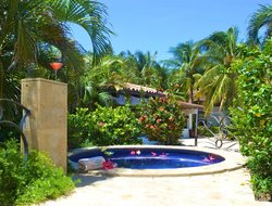 Honduras hotels with swimming pool