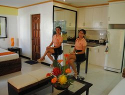Lapu-Lapu hotels with swimming pool