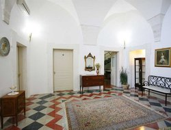 Ostuni hotels with restaurants