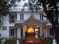 Sriperumbubur hotels with restaurants