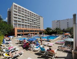 Calella hotels for families with children