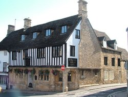 Burford hotels with restaurants