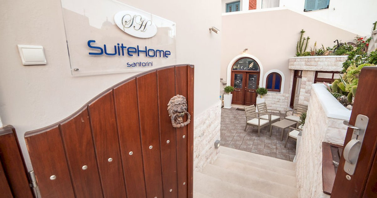 Suite Home Santorini