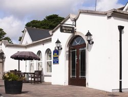Rosslare hotels with restaurants