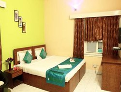 Bidhan Nagar hotels with swimming pool