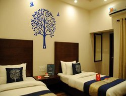 Khajuraho hotels with swimming pool