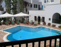 Naxos Town hotels with swimming pool