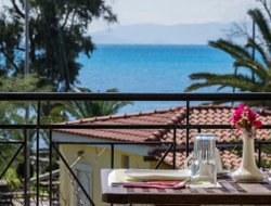 Kefalonia Island hotels with Russian personnel