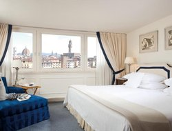 Florence hotels with river view