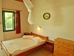 Pets-friendly hotels in Lithakia