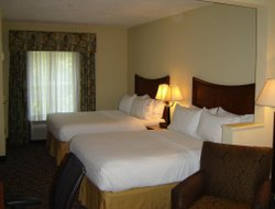 Atlantic Beach hotels with restaurants
