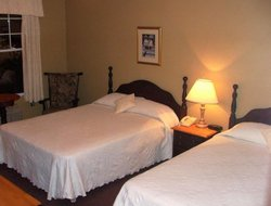 Baddeck hotels with restaurants