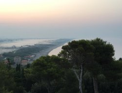 Orbetello hotels with sea view