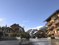 Meribel hotels with swimming pool