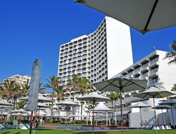 Umhlanga Rocks hotels with swimming pool