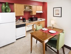 Business hotels in Maryland Heights