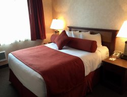 Top-8 romantic Cannon Beach hotels
