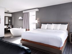 Business hotels in Canada