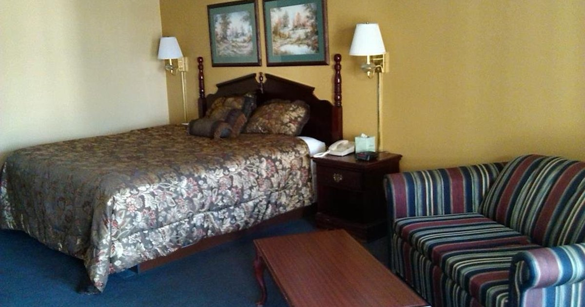 Days Inn & Suites Andalusia