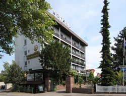 Boeblingen hotels with restaurants