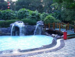 Emeishan hotels with swimming pool
