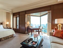 Bangkok hotels with restaurants