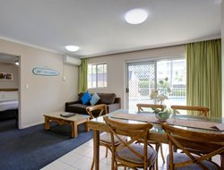 Coffs Harbour hotels with swimming pool