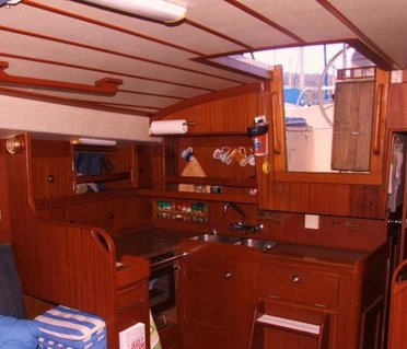 Yacht Charter-Sailing Yacht 35FT