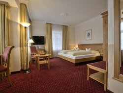 Erding hotels with restaurants