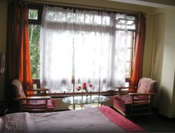 Kalimpong hotels with restaurants
