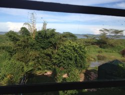 Uganda hotels with lake view