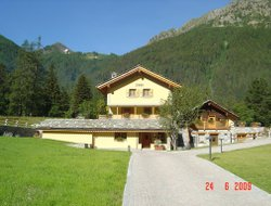 Gressoney-Saint-Jean hotels with swimming pool