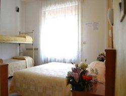 Sottomarina hotels with swimming pool