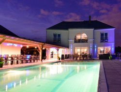 Troyes hotels with swimming pool