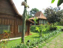 Lembang hotels for families with children