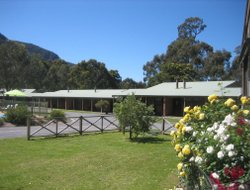 Halls Gap hotels with swimming pool