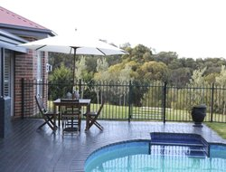 Australia hotels with swimming pool