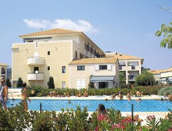 Le Lavandou hotels with swimming pool