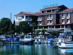 Izola hotels with sea view