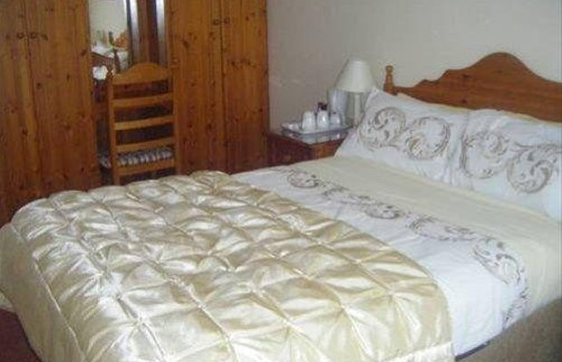 фото Fairlawns Bed & Breakfast 668122436